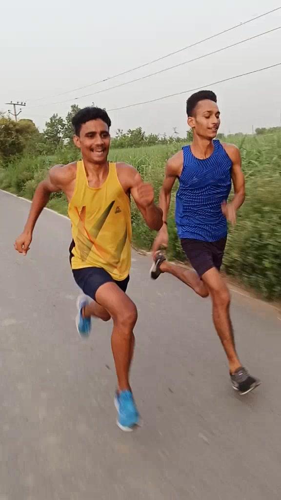 Army practice🇮🇳 insta par follow karlo #indianarmy #ilovemyindia #army #boy #tiktokindia #motivation #edutok #indian @mr.prabhjotsinghfateh TikTok