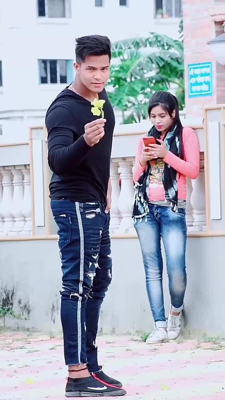 esa kon propose karta hai.. #navi8481 #FashionEdit #VibeZone #act #viral #vairal #viralvideo @tiktok_india TikTok