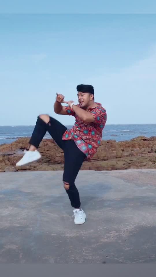 #Raanjhanaa #AwezDarbarChoreography dekha ke nahi ? Dekha toh batao apka fav part kaunsa hai iss video ka ? 😁 #DanceIndia #Dance #FlashBack TikTok