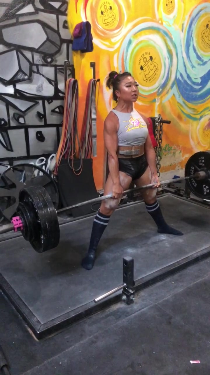 ‼️THANK YOU FOR A MILLION‼️😭🥳🙏🏽💙 here is the video that started it all— 390lbs at 121lbs 💪🏽 #powerlifting #gymshark @gymshark #girlswholift of tiktok video bitrate