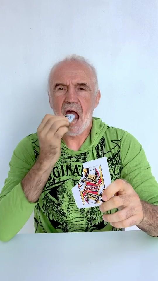 Cards are actually not tasty 😂 #magic #cardtricks #магия #карты tiktok
