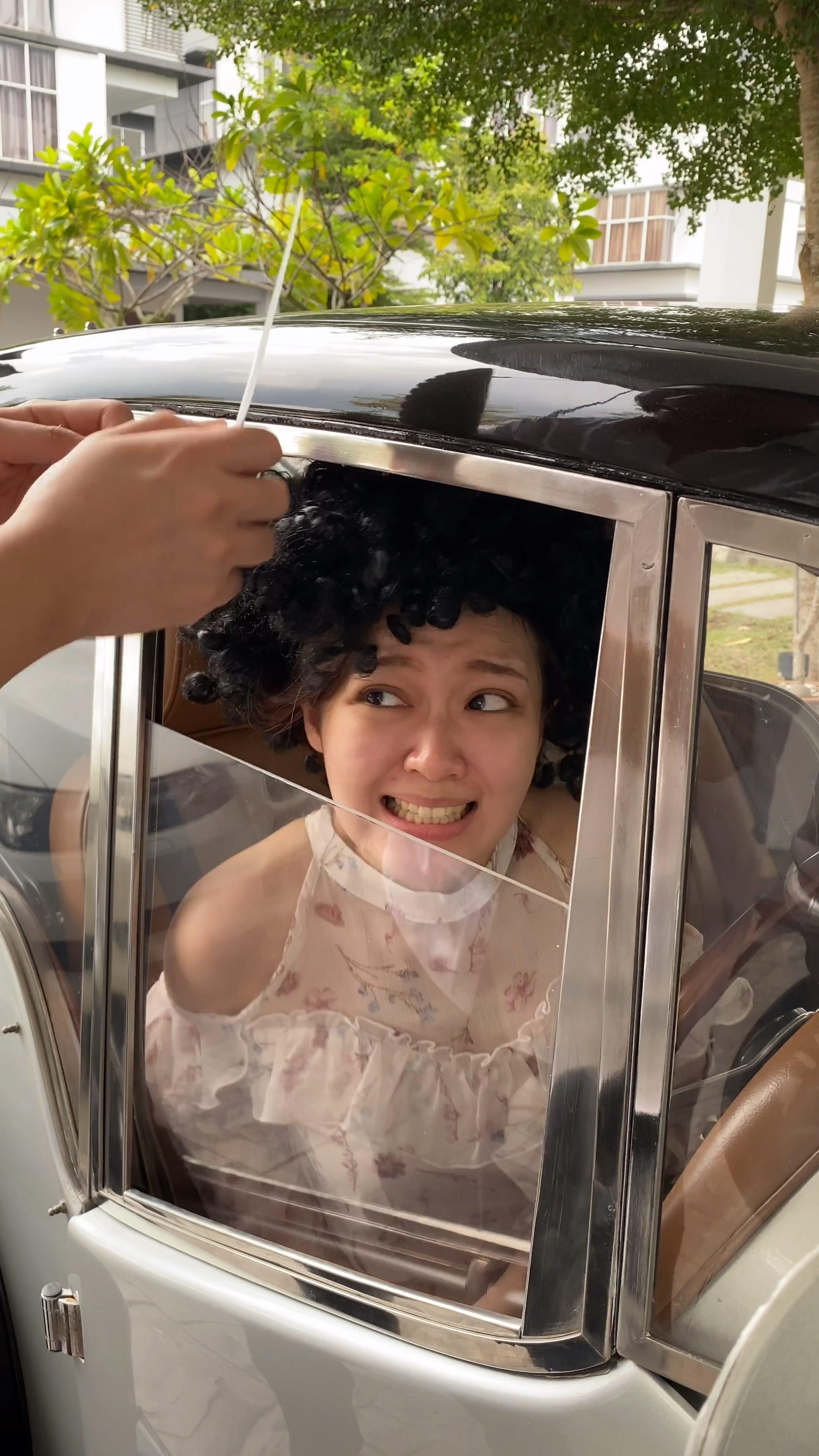 Nooo!! Eh.. who is this? #yyfara #oeacademy #sister #foryou #foryoupage #fyp #funny #omg #tiktok #tiktokindia #tiktokmalaysia #tiktokindonesia #afro tiktok