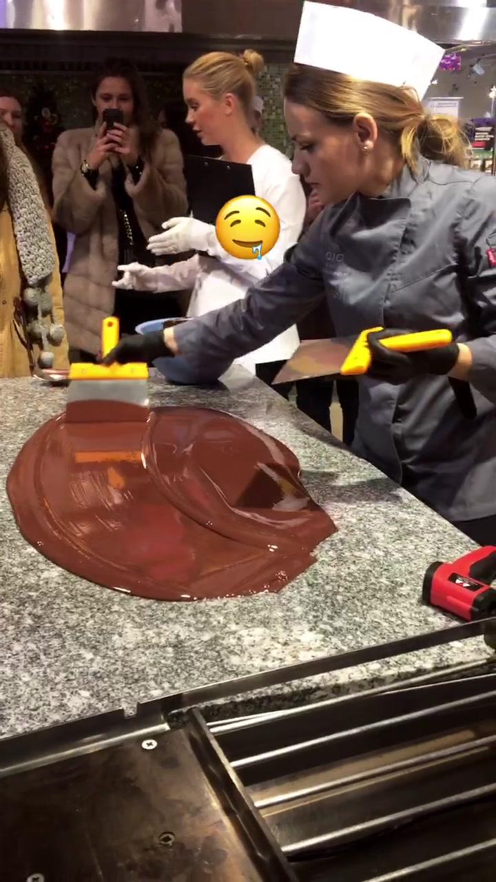 😍 #шоколад #любовь #тикток #2020 #какао #девушка #красивая #шоколатье #лайк #подписка #подпискалайк #лайкподписка #yummychallenge of tiktok full video