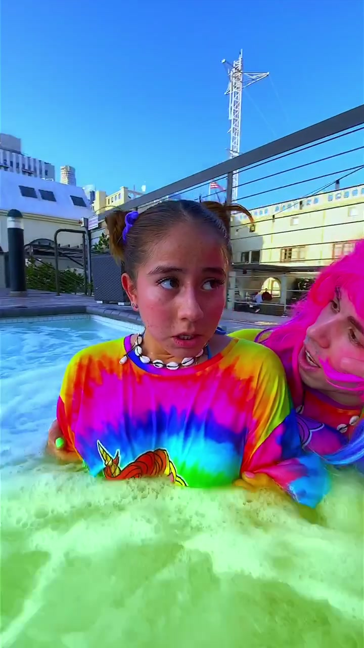 🥺SHE#peed INTO THE#jaccuzi 🤢🤮WHAT THA HECK@jostasy ⁉️#pool#hottub#imanexpert#fail#prank#gross#isthisgross#vsco#sksksk#andioop#vscogirl#foryoupage of tiktok video to dreams