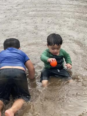 Raining Now ☔️ Bahot Masti 🤪 #brosister #love @armanfoodie @ayeshathanwal #tiktok #tiktokglobal #tiktokindia #foryou TikTok
