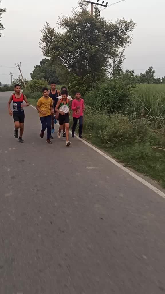 bacche bolre thai bhaiya hmari sath video bnai ☺❤🇮🇳 #tiktokindia #indianarmy #ilovemyindia #boy #army #edutok #motivation TikTok