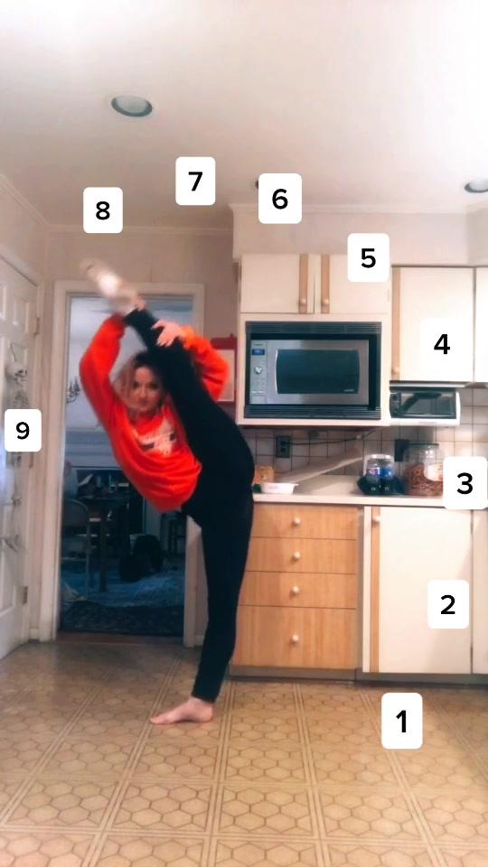 had to hop on the trend🤷🏼♀️ #fyp #foryou #foryoupage #dance #dancer #contortionist #contortion #tilt
