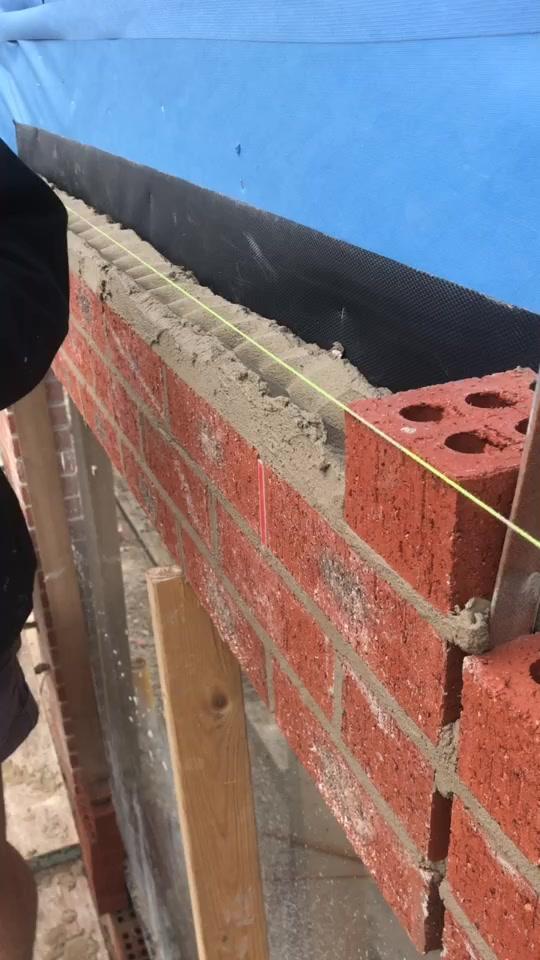 The satisfying bricklayer #tradie #bricklayer tiktok