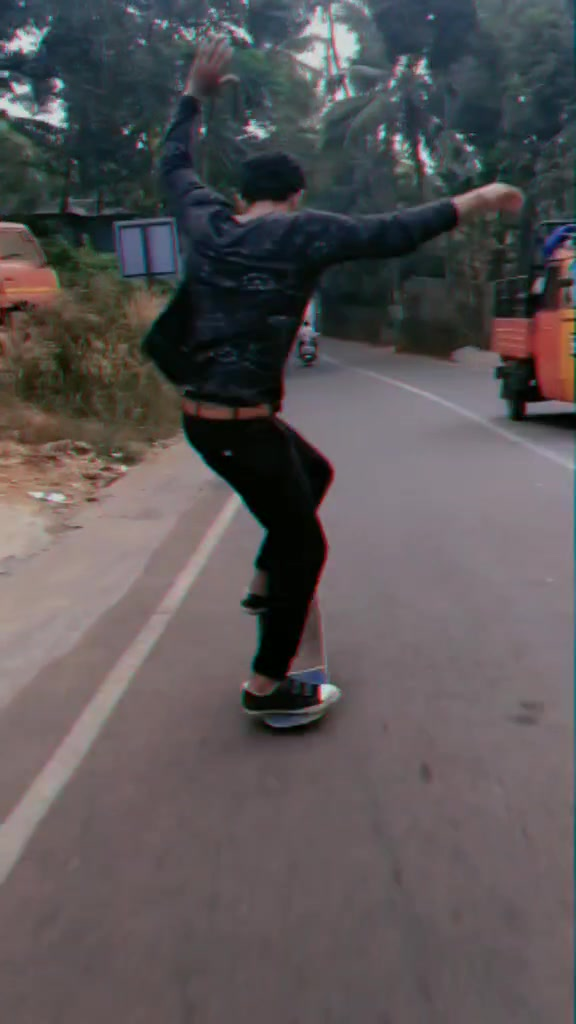 thankyou so much guys for ur luv&support💕🏂💕.#Skateboard#skate#skateboarding#tik_tok_india#parippuvada#kattankappi#mallu#malayali#love#foru of riyaz 14 tiktok