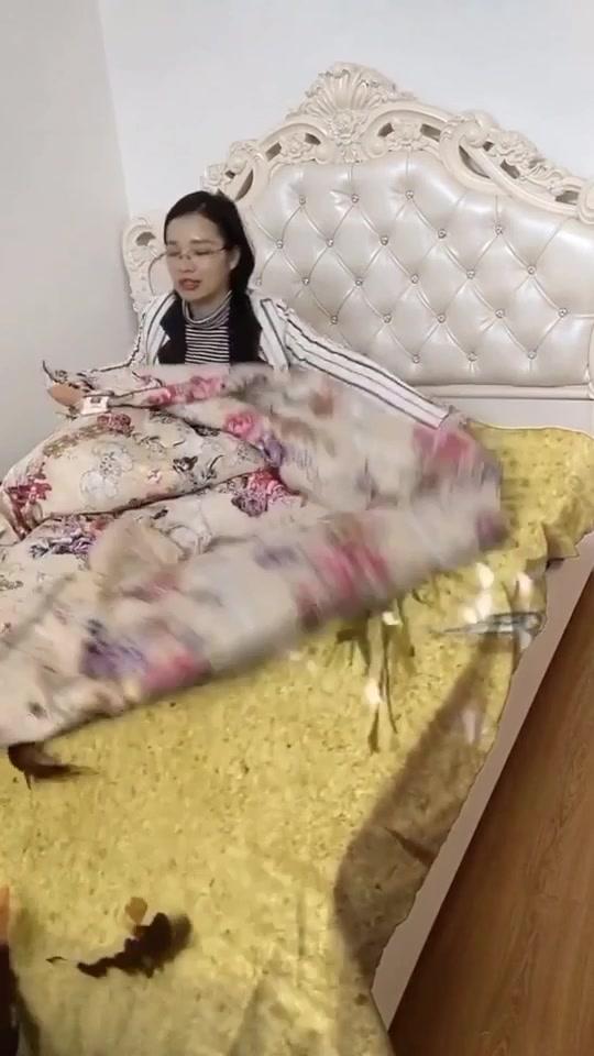 Sắm cái giường 3d như này ở đâu nhỉ ???🤷♀️ #funnyvideo #tiktoktrungquoc #videohaihuoc tiktok