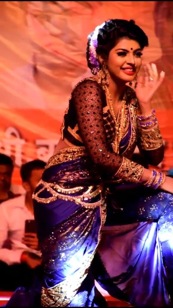 बंगले के पीछे 😎🌹#foryou #trendingsong #viralgirl #madhuripawar #hindisong #dancewithme #hgforever #tiktokindia @gayatri.korpe12 @hindavi_patil3232