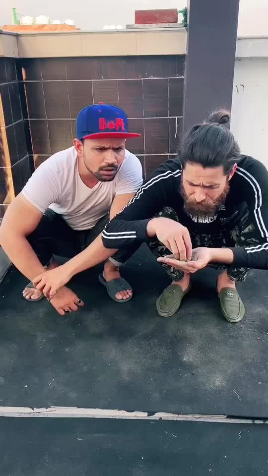 GUROOR 🙏 Mat Kro Kisi Bhi Cheez Ka Kuch Leke Nahi Jaoge Akele Aaye The Akele Jaoge 🤗 @mr.hobit @bunny_zaibu #reality #teamzaibu TikTok