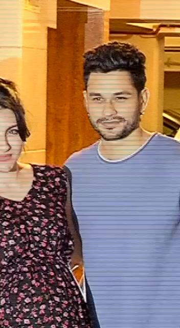 Beautiful couple Kunal and Soha. #kunalkemmu #sohaalikhan TikTok