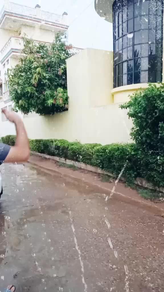 aise wait krte hai @jsin82 #15svines #thiscouple #comedystar #comedy #tiktokindia  #monsoon TikTok