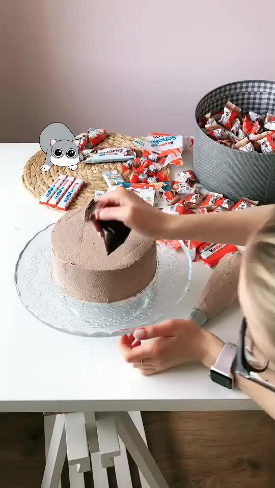 Rozkręcam się właśnie ;) Lubisz kinderki? Zostaw❤️ #jaktosmakuje #magiagotowania #tort #ciastkozercy tiktok